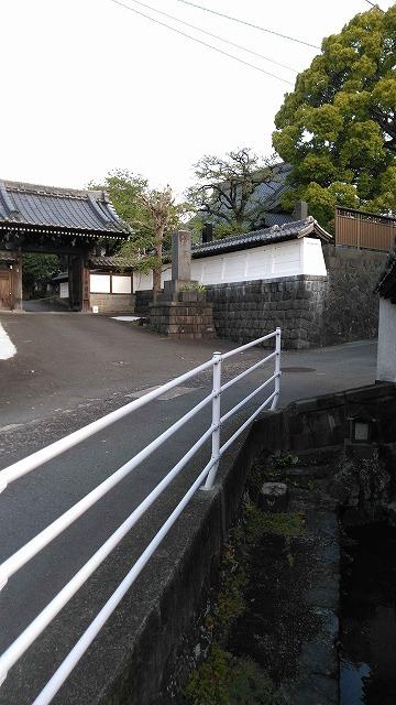 朝の散歩  東泉院、せぎわく、田宿川、善得寺等を回る今泉の歴史コース_f0141310_07523337.jpg