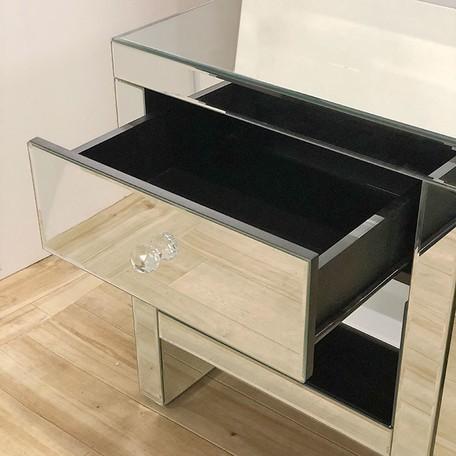 インテリアに素敵なミラー家具ご紹介~❤_f0029571_11155862.jpg