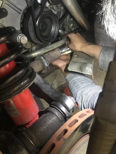 排気漏れ-アルミテープでは排圧に耐えられませんでした。_a0129711_16110367.jpg