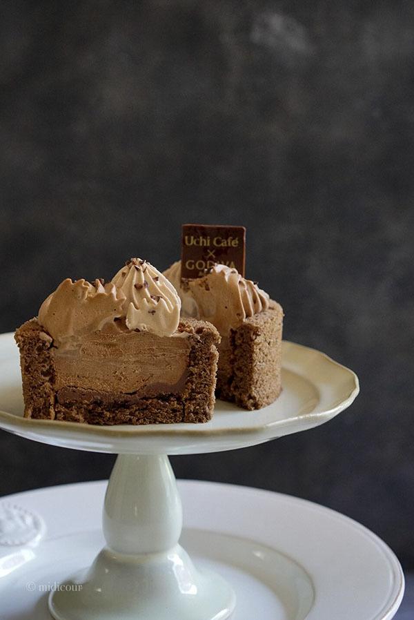 ローソンで買えるGODIVAの絶品チョコレートケーキ♪_e0136511_18340997.jpg