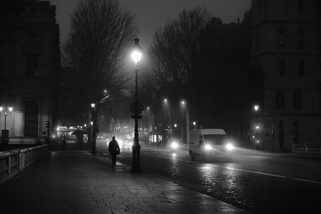 2020年1月25日 パリ 夜明けの石畳_f0050534_17274929.jpg