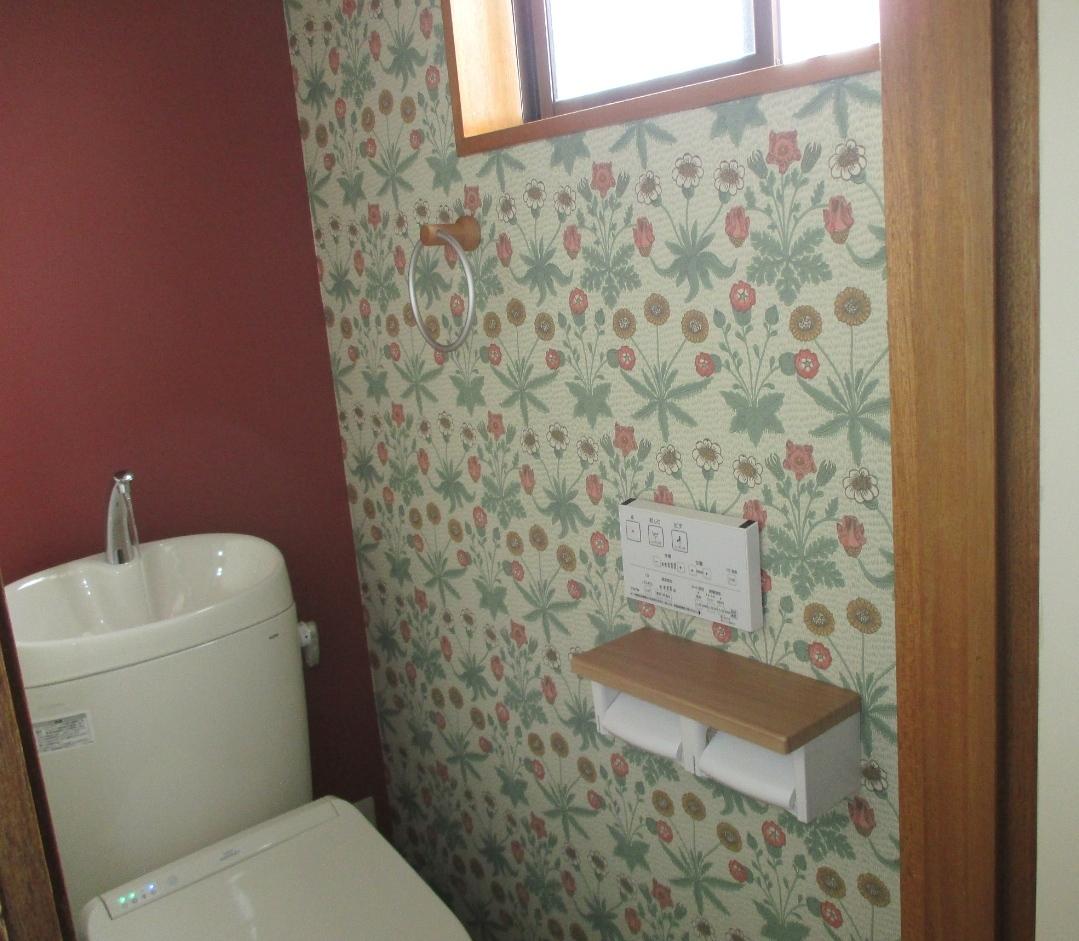 モリスの壁紙でトイレの『1DAY(ワンデイ)』リフォーム  ウィリアムモリス正規販売店のブライト_c0157866_17341221.jpg