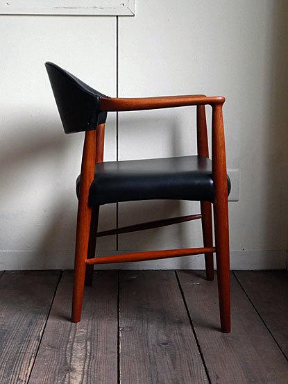 Kurt Olsen Arm chair_c0139773_00561197.jpg