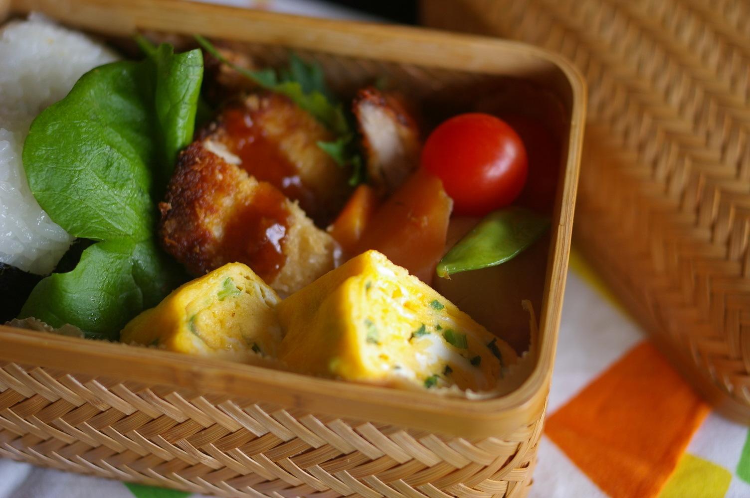 今日の豚カツ弁当と鮭のみりん漬け_d0327373_11524041.jpg