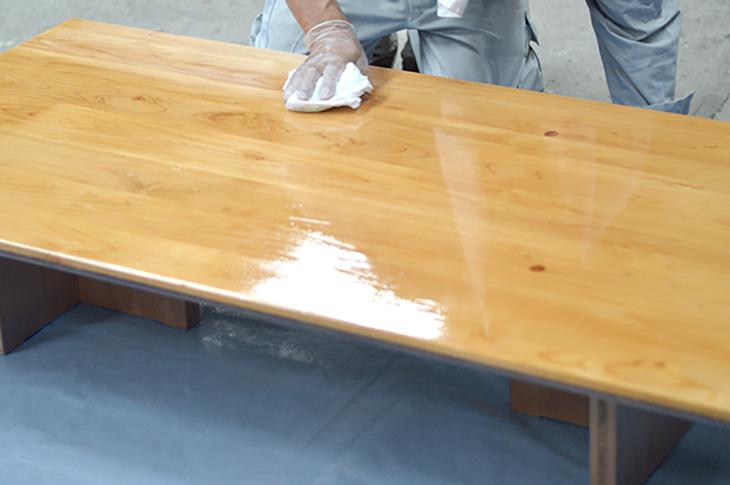 檜のテーブルをメンテナンス!_b0186205_14223279.jpg