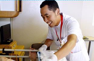 EPA看護師・Mohamad Yusupさん:英雄として送り出されたインドネシア人看護師、10年とどまれた理由 _a0054926_20482182.jpg