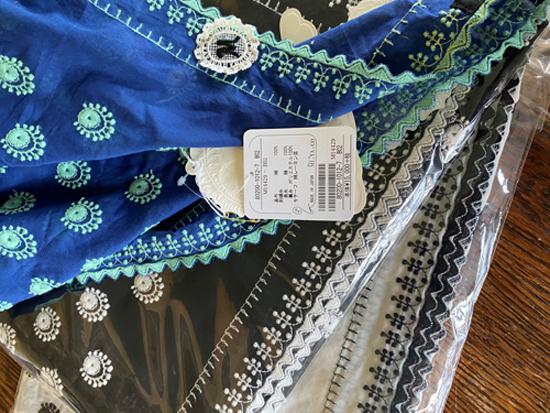 カットワーク刺繍の綿ローンブラウスと 綿ボイルショール_c0126189_23191777.jpg