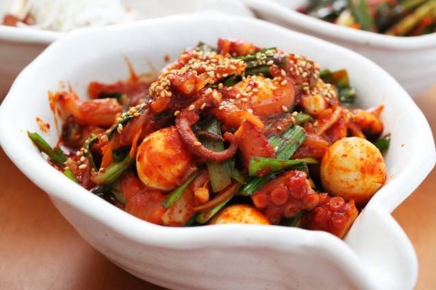 赤い食卓「韓国ごはん」_d0377645_23154758.jpg