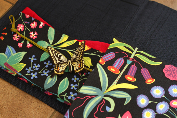 祖母の大島と私が仕立てた帯とオフフープ®立体刺繍の帯留め_e0333647_15334264.jpg