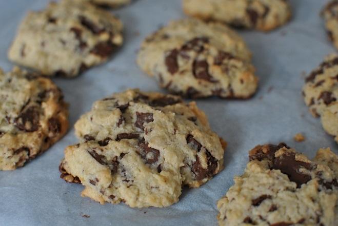 チョコチップクッキーを焼く_b0129725_11533896.jpg