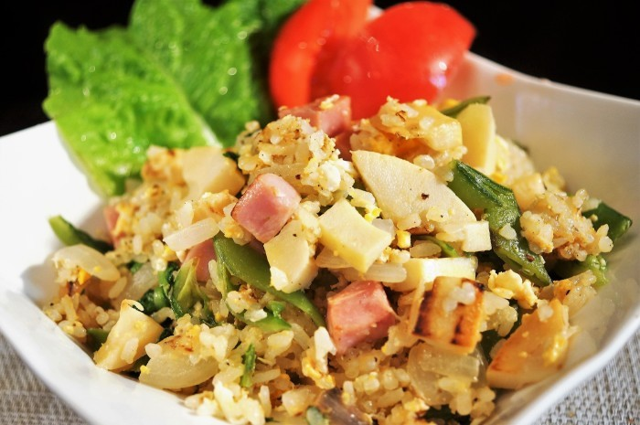 ■昼ご飯【竹の子ベーコン入りチャーハン/赤魚の焼き魚】_b0033423_11230276.jpg