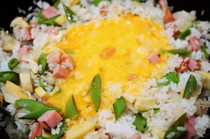 ■昼ご飯【竹の子ベーコン入りチャーハン/赤魚の焼き魚】_b0033423_11471908.jpg