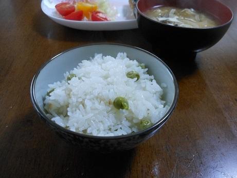 豆ごはんは美味しい_e0175370_20355557.jpg