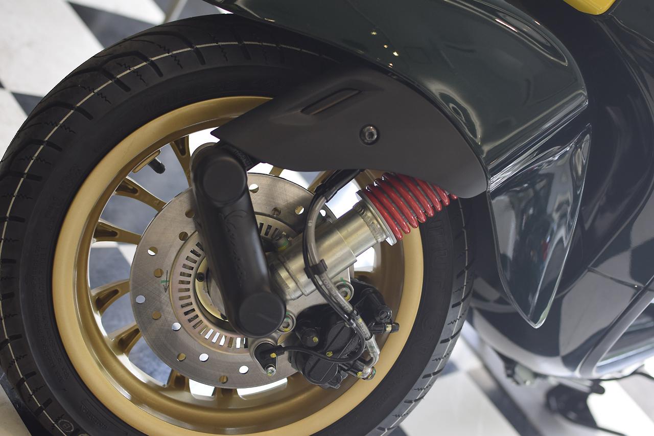 Vespa SPRINT RacingSixties ベスパ スプリント レーシングシックスティーズ 入荷♪_d0099181_15080247.jpg