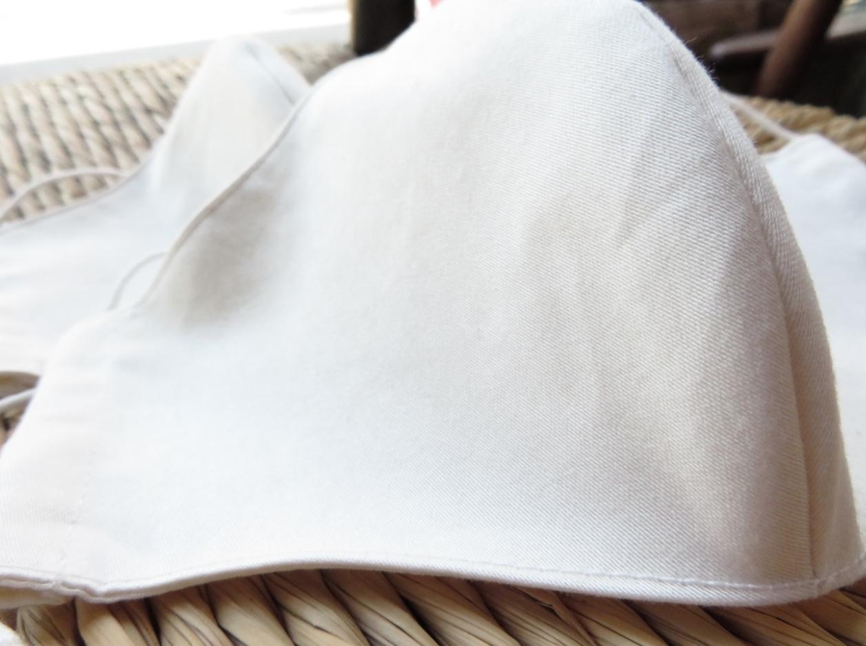 『モリス』の布マスクと『フィスバ』の布マスク オーダー製作 _c0157866_17283316.jpg