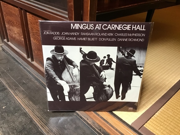 MINGUS AT CARNEGIE HALL / CHARLES MINGUS_e0230141_14595252.jpeg