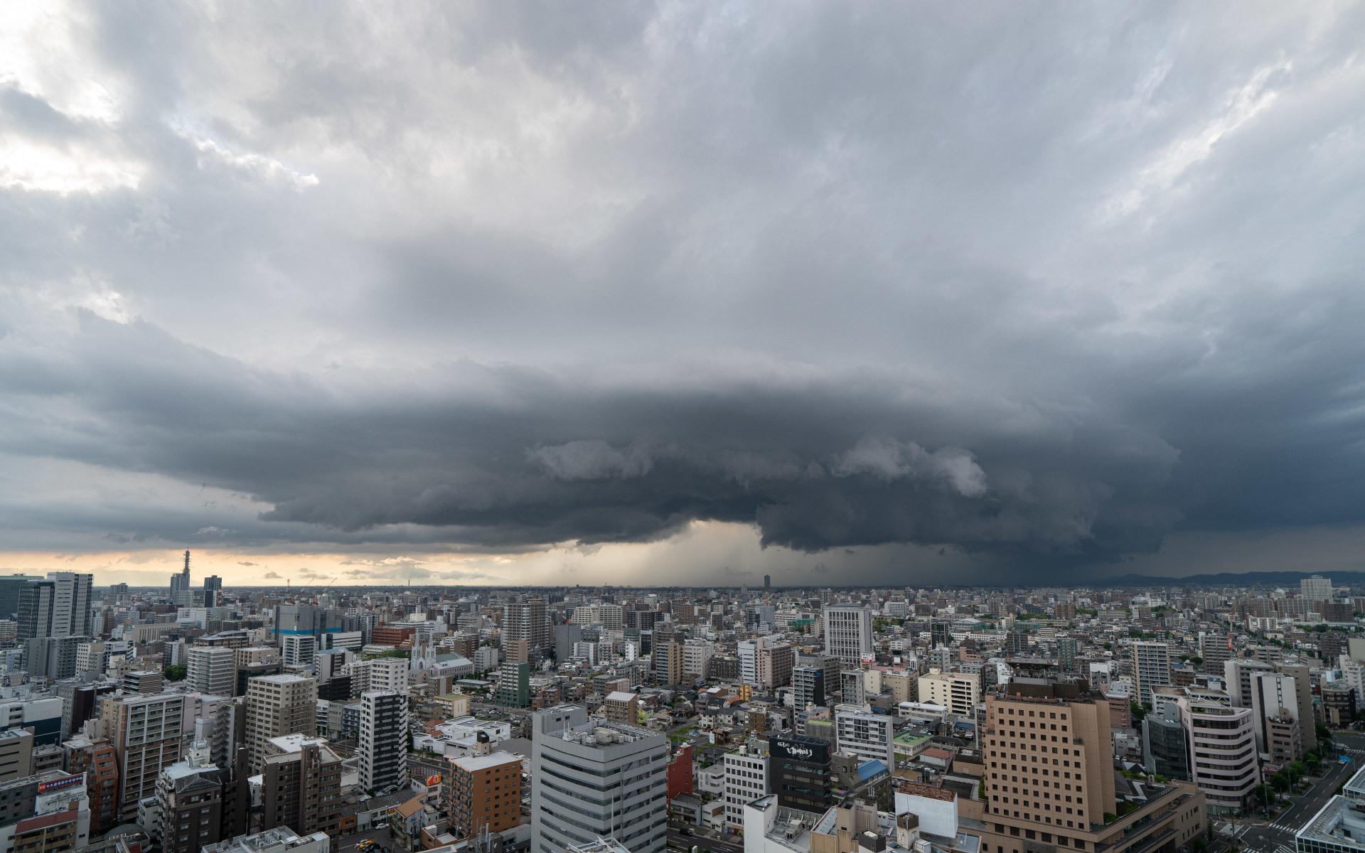 積乱雲の底_a0177616_19034176.jpg