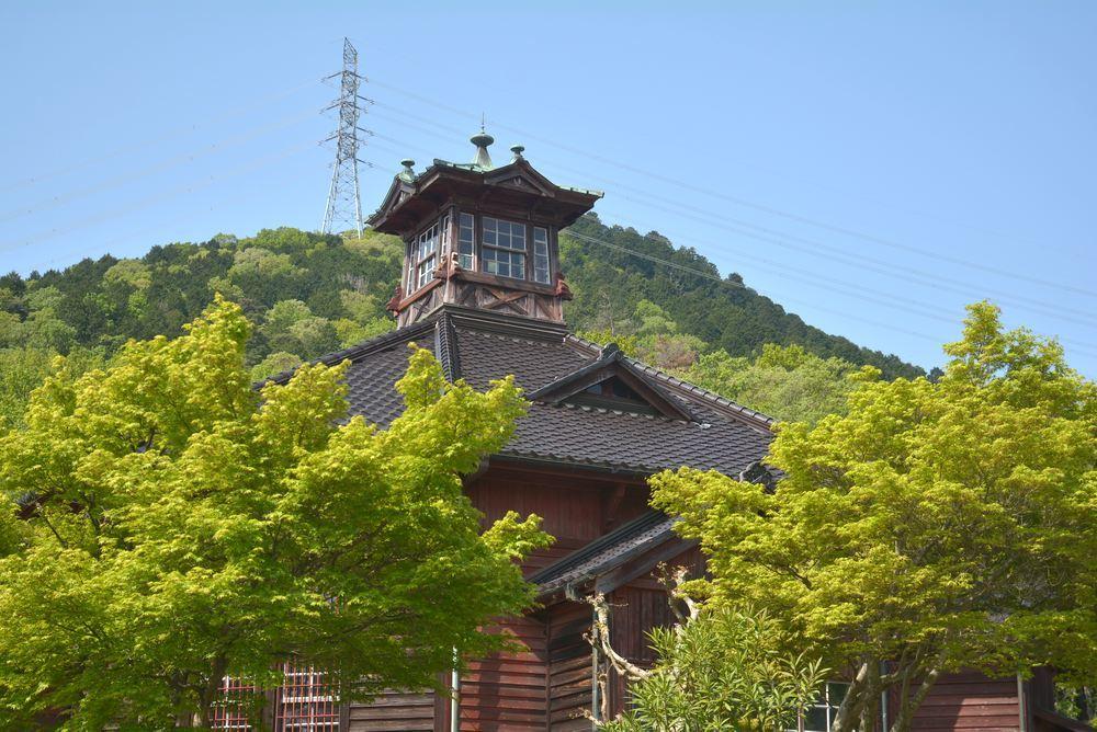 金沢監獄と青もみじ_e0373930_19481511.jpg