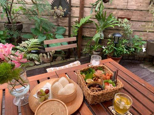 お庭でピクニック_a0142778_17335099.jpg