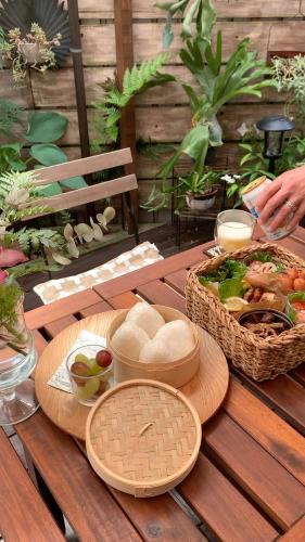 お庭でピクニック_a0142778_17335608.jpg