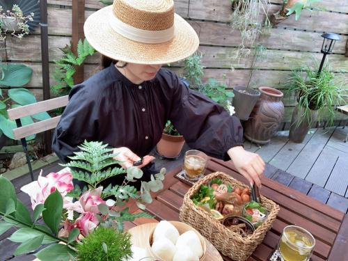 お庭でピクニック_a0142778_17335724.jpg