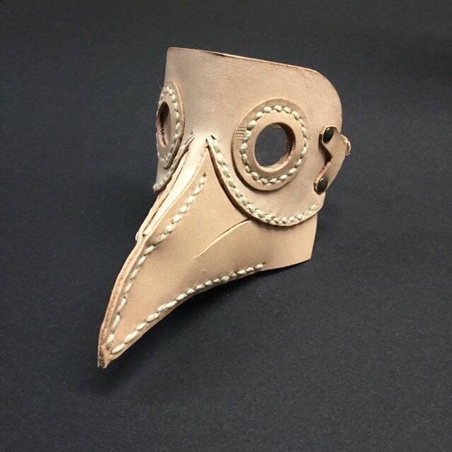 革のマスク_d0321092_22211083.jpg
