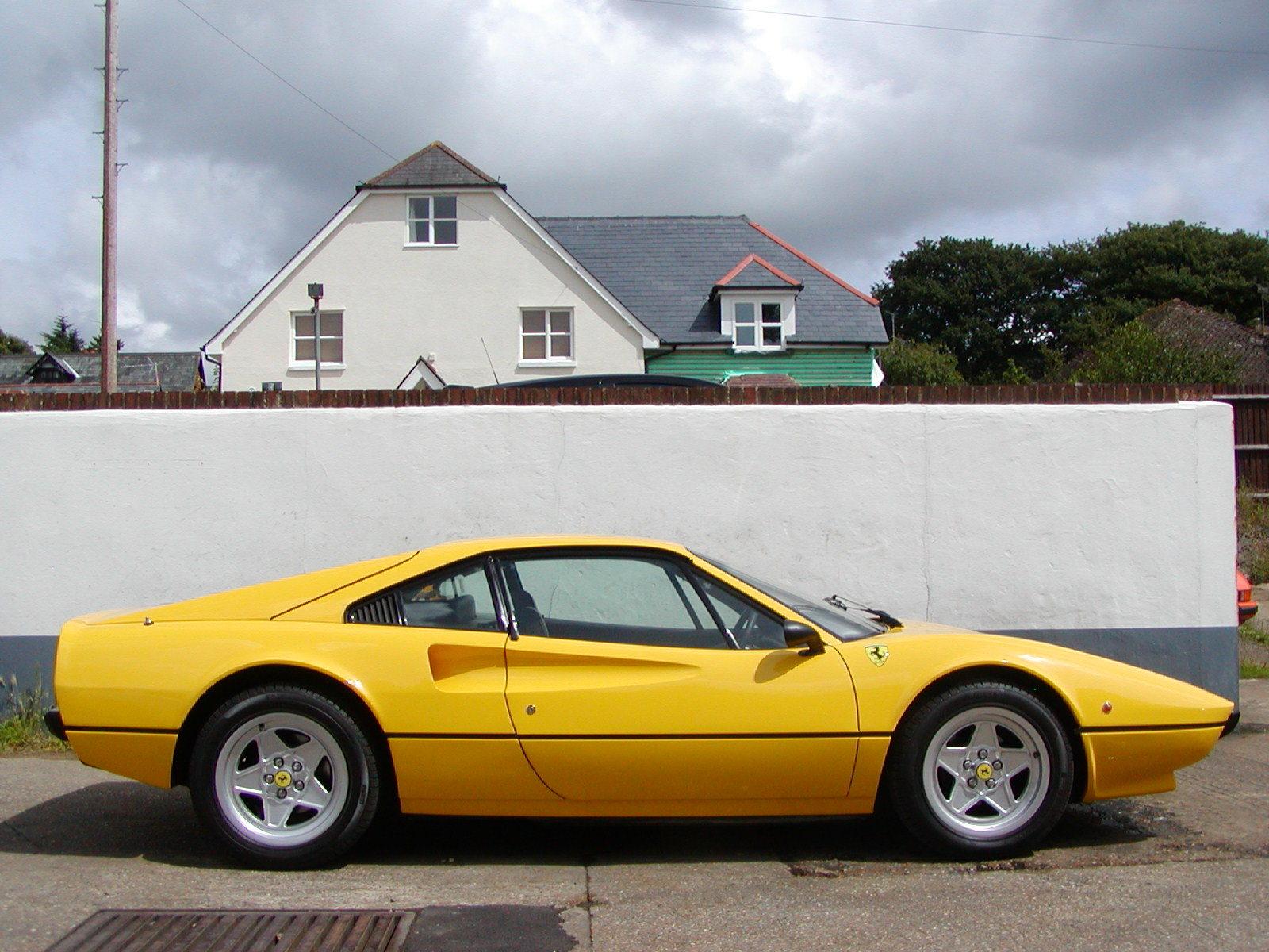 small Ferrari の造形の変化_a0129711_22424432.jpg