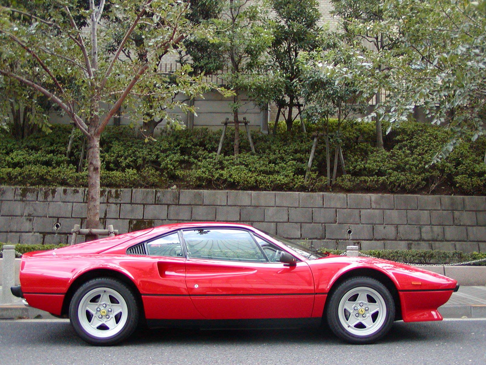small Ferrari の造形の変化_a0129711_22455844.jpg