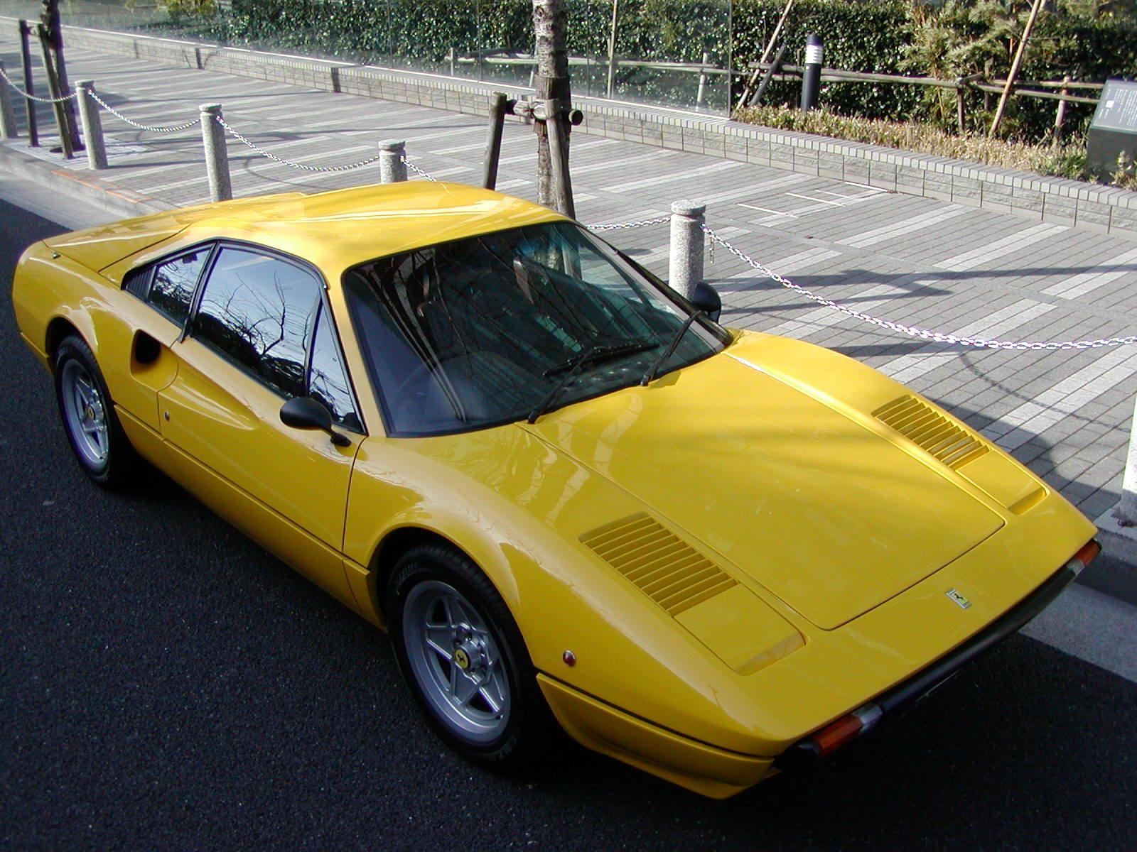 small Ferrari の造形の変化_a0129711_22583516.jpg