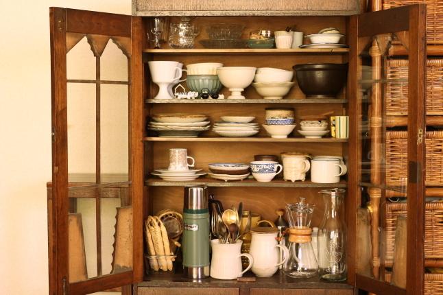 梅雨入り前のお掃除スタート、まずはお気に入りの食器棚から_f0354014_20574512.jpg