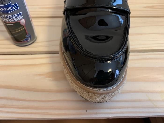 【おうちで靴磨き】エナメルの傷に見える汚れ、あきらめる前に_b0226322_14503489.jpg