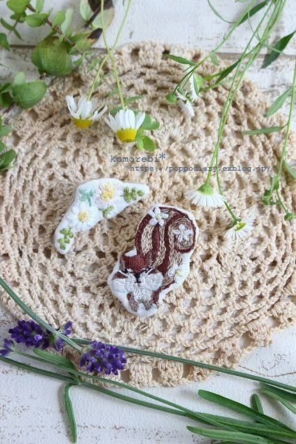 りすさん&カモミールの刺繍ブローチ&自家製酵母(*^^*)_a0134594_18502056.jpg