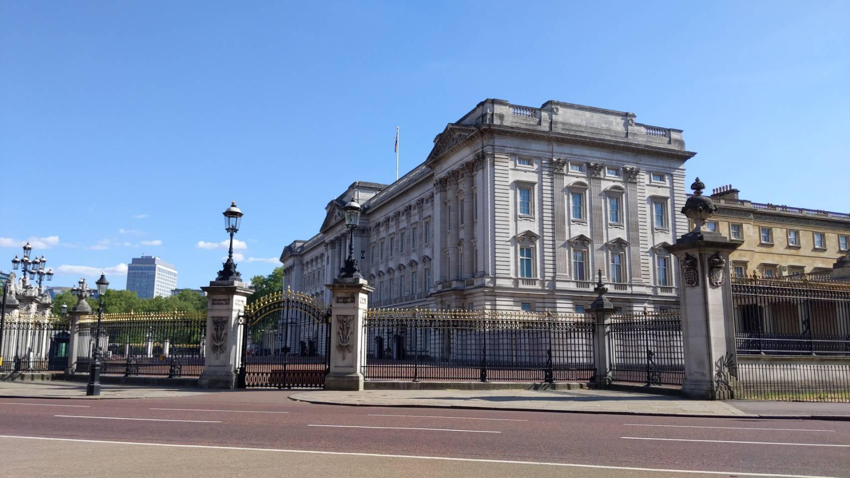 バッキンガム宮殿付近を自転車で_f0380234_00513714.jpg