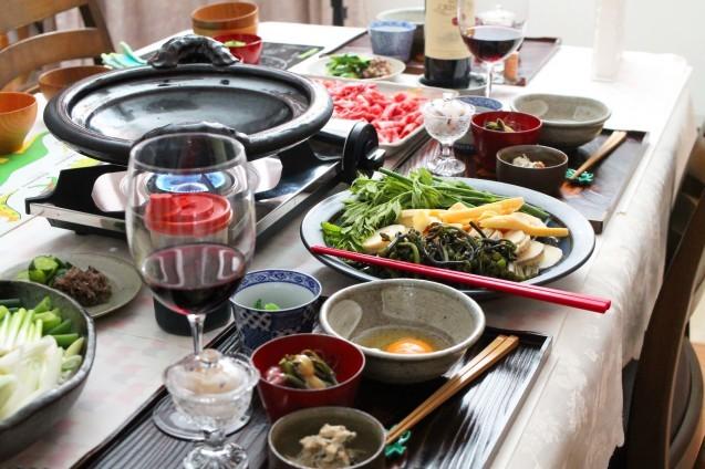 山菜すき焼き・・・土楽の黒鍋_d0377645_22442498.jpg