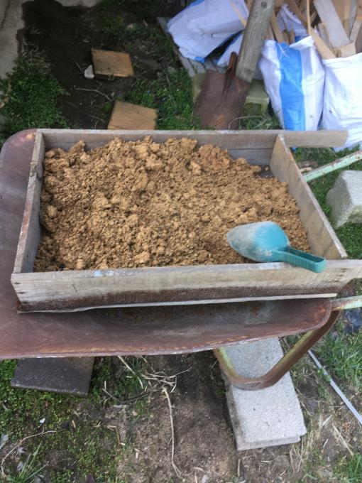 石の次は土仕事です♪さて何ができる?_f0182246_21111880.jpg