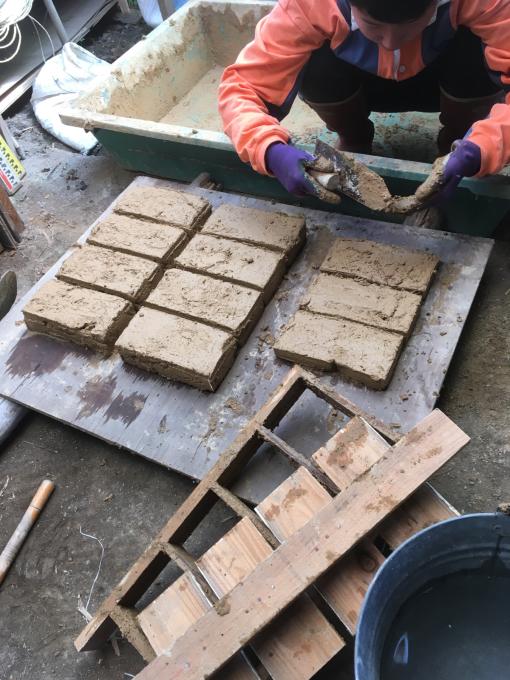 石の次は土仕事です♪さて何ができる?_f0182246_21151993.jpg