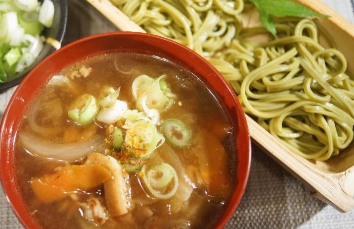 ■麺類【温かいけんちん汁で戴くつけうどん】地元緑茶葉が練り込まれた麺です♪_b0033423_23231730.jpg