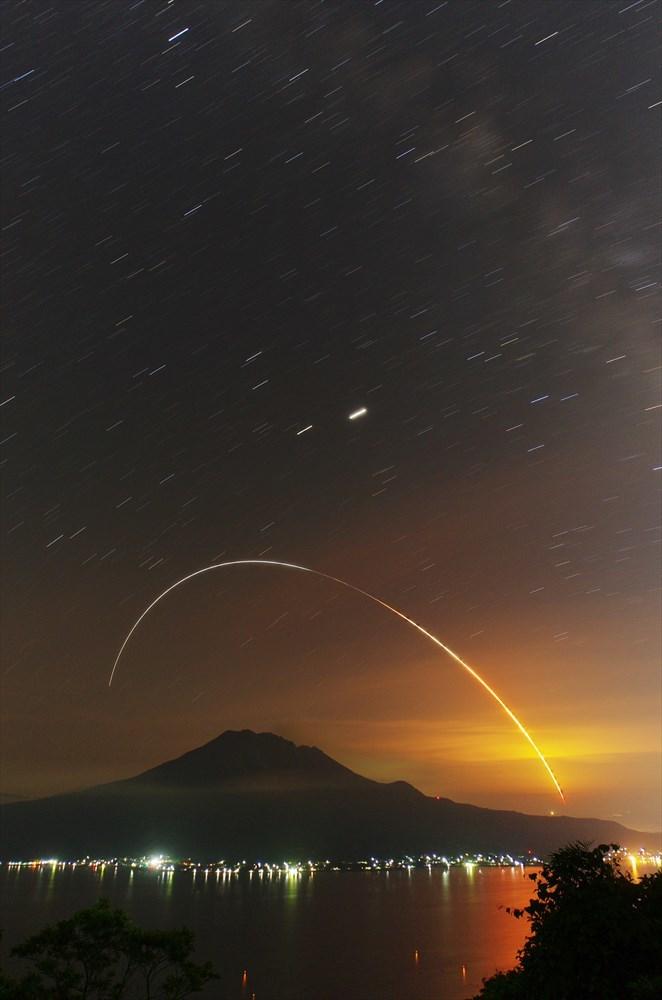 こうのとり9号機打ち上げ成功☆_d0052327_14284525.jpg