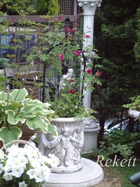 アンティーク風のおしゃれなベンチ~❤_f0029571_19501007.jpg