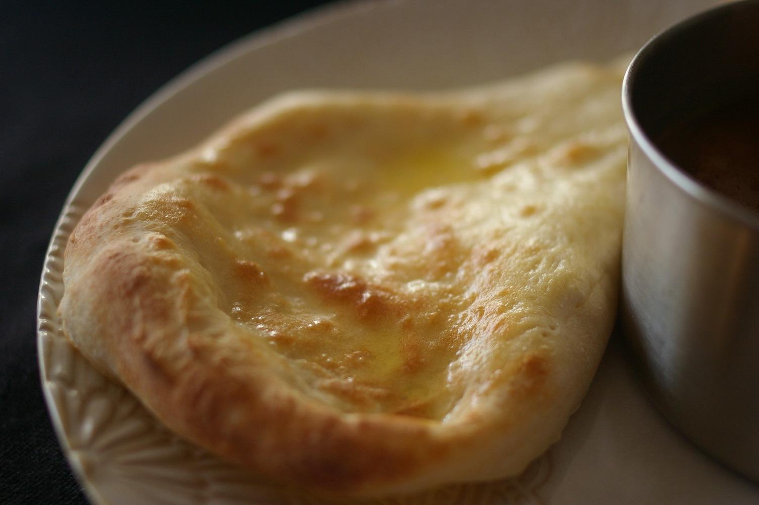 手作りナンと豚バラスパイスカレー:料理教室再開に向けて_d0327373_18562042.jpg