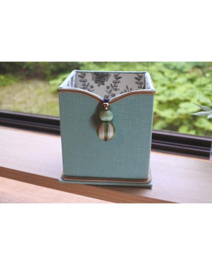 ミントグリーンの箱とタッセルコーディネート_b0242032_02554579.jpg