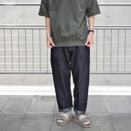 KATO\' Side Seemless Cropped Denim Pants_e0247148_18415586.jpg