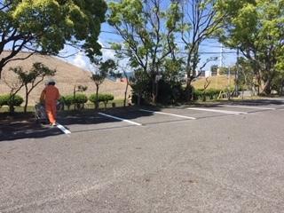 駐車場のライン引きです_f0079749_10142281.jpg