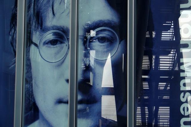 John Lennon Museum_c0069055_21142846.jpg