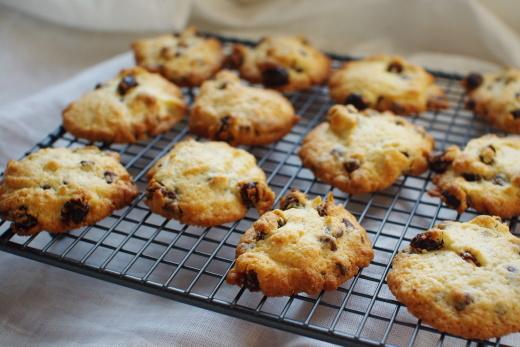 ■ アーモンドプードルでドロップクッキー(レーズン&チョコチップ)_c0110869_06414436.jpg