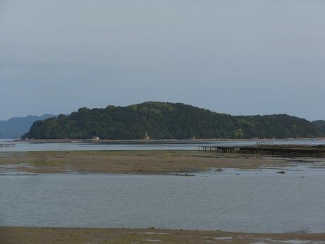 三津口湾の大干潟、向こうに見えるのは…_e0175370_20503235.jpg