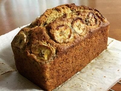 おやつのバナナカルダモンケーキとランチのマルゲリータ_f0231189_18393348.jpg