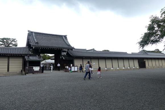 京都御所参観_e0048413_21381254.jpg