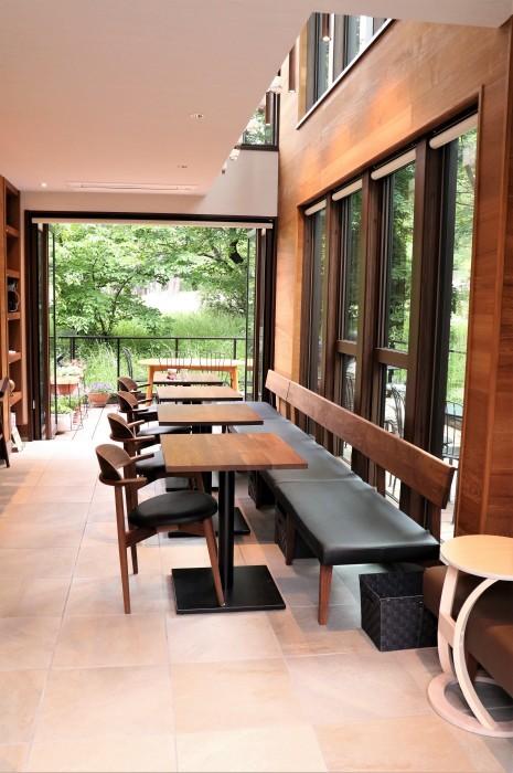 大宮公園に接し、風通しの良いカフェ店_d0150720_17031912.jpg