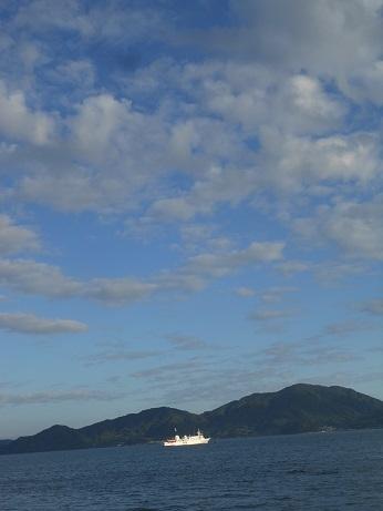 北方四島交流船「えとぴりか」停泊中_e0175370_21210428.jpg